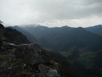 View from the top - On the way to chopta from Deoriataal